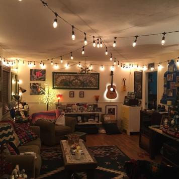 Hippie Hut Den